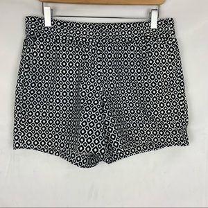 J CREW black and white linen shorts Sz 6